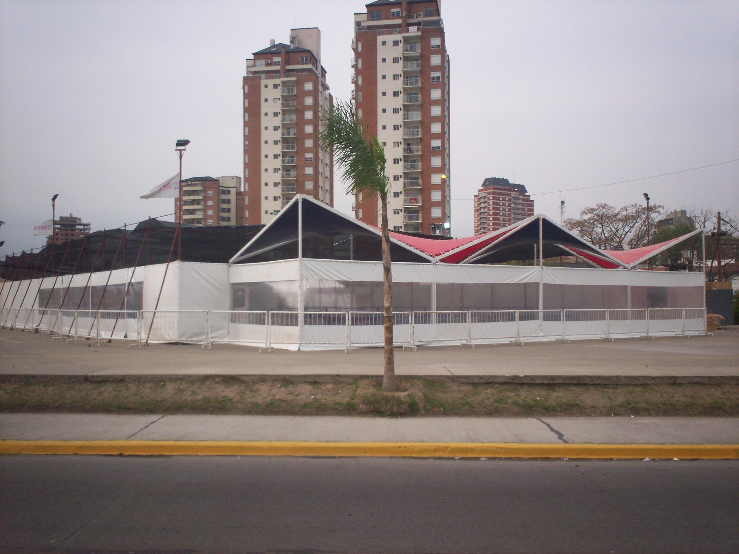 CERRAMIENTO PISTA DE HIELO